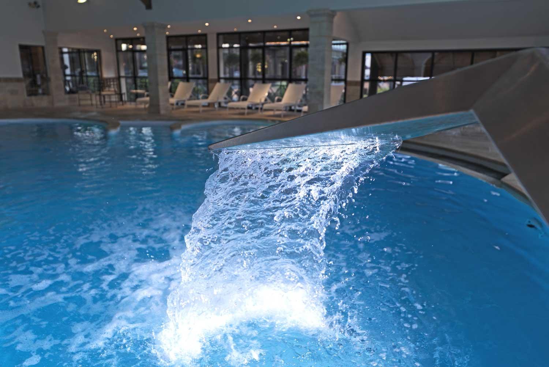 Grand hotel spa g rardmer vosges emoi for Hotel piscine vosges